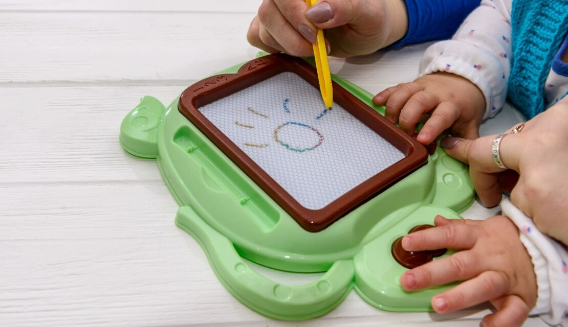 Best Magnetic Doodle Drawing Boards for Kids