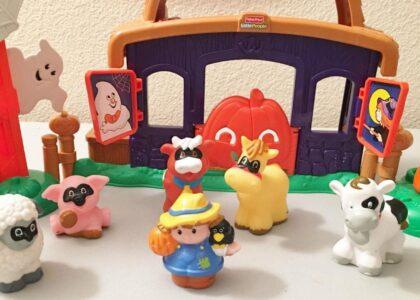 Best Fisher Price Little People