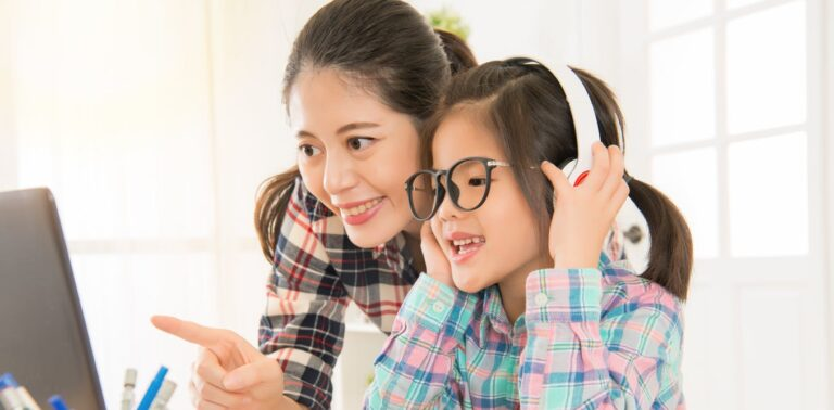 Top 10 Best Headphones For Children 2021 - Review and Buying Guide 8