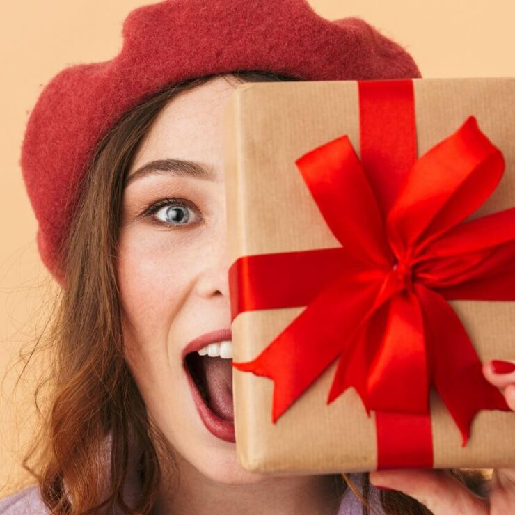 7 Best Toys And Gift Ideas For 17-Year-Old Girls 2021 - Awesome Pick 7