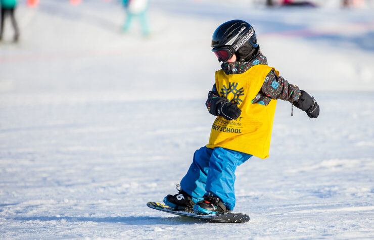 How Old Should a Child Be Snowboarding? - 2021 Guide 1